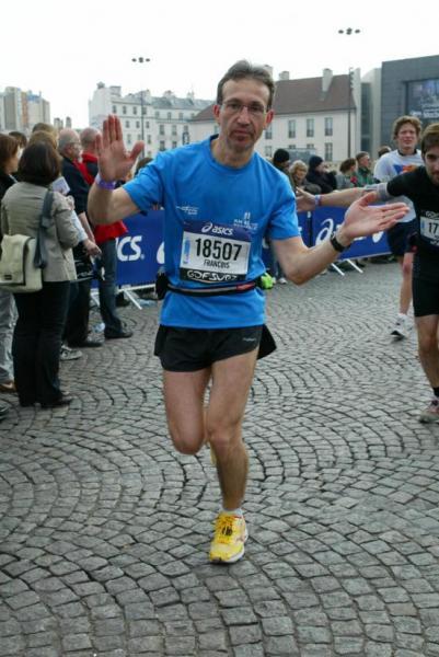 François au Marathon de Paris (1er Marathon et 3h56' bravo!))