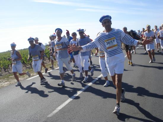 """Les """" KM 42.195 Marseille"""" au Médoc 2010"""